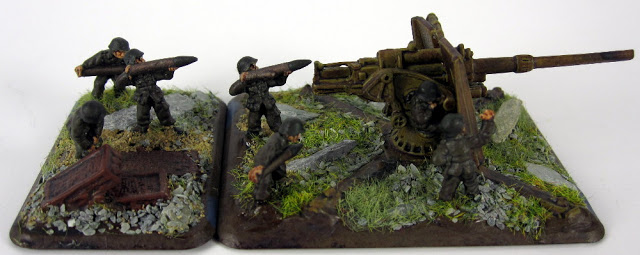 Showcase of German 8.8cm FlaK36 Guns Platoon (88s)