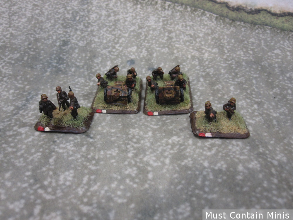 A small platoon of two 7.5cm leIG18 Guns.
