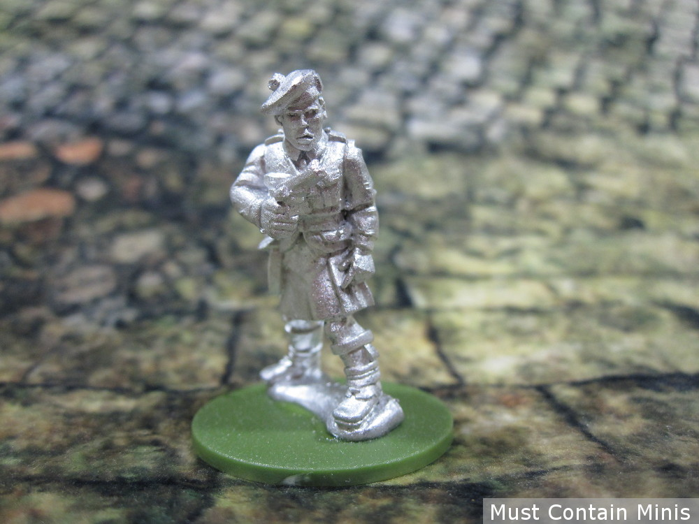 A pistol armed soldier for 28mm WW2