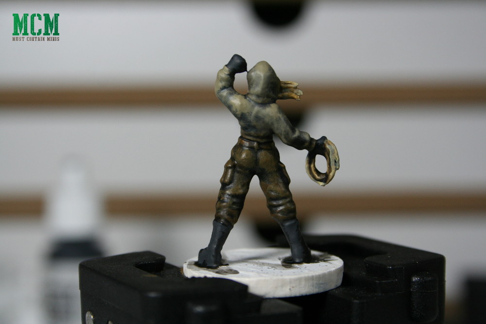 How to paint a 28mm Miniature