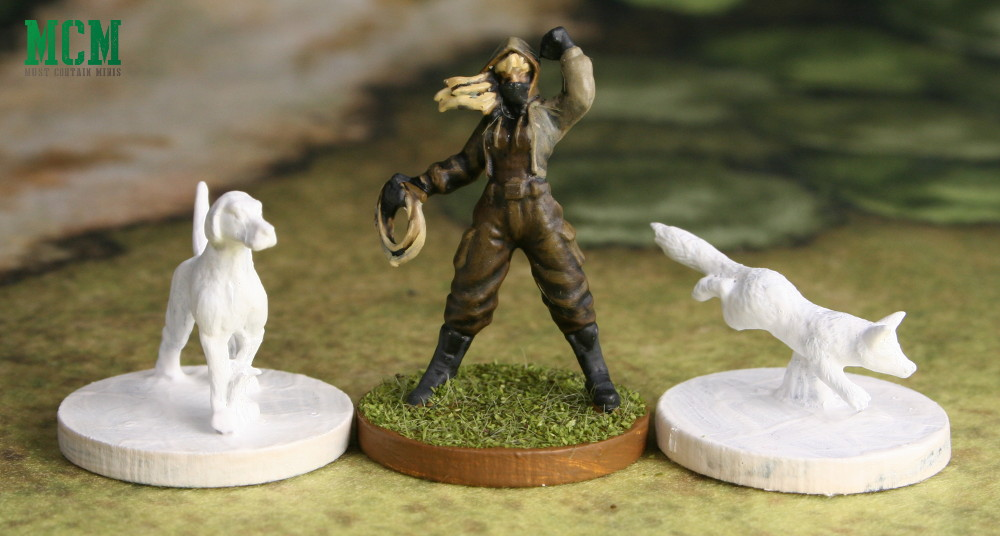 Fox Hound and Hunt Saboteur 28mm miniatures