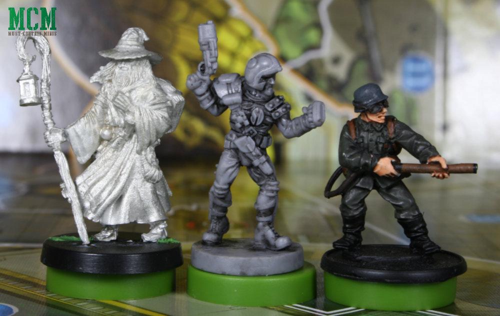 Scale Comaprison Image - Judge Dredd Helter Skelter Miniatures Board Game