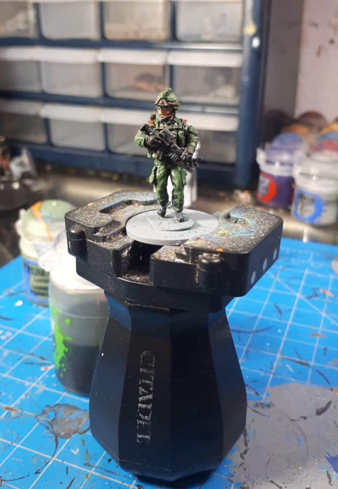 A 28mm Canadian Soldier being painted by Dave Lamers