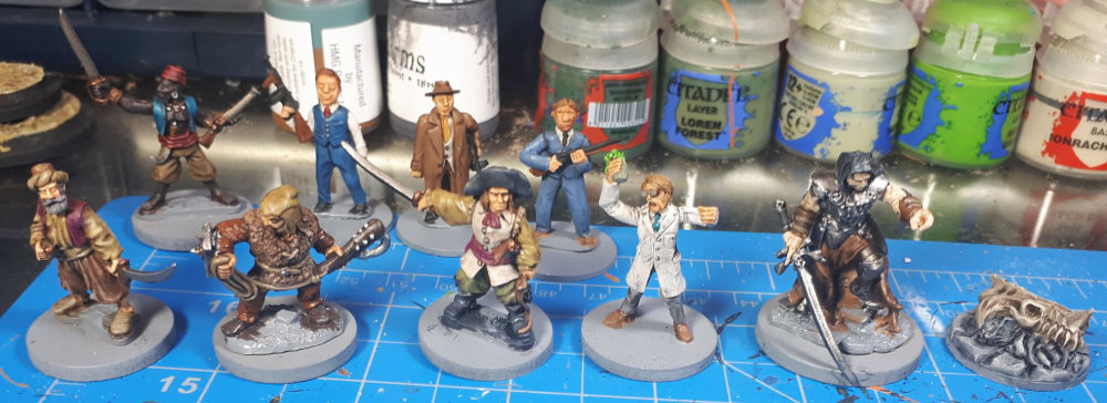 The full group of miniatures painted by commission painter Dave Lamers.